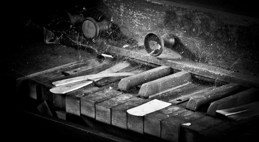 Piano f/8 0.8sec 70mm